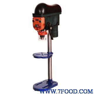 該鉆床立柱采用整體澆注機構,主軸箱均采用螺旋升降機構,圓刻度盤定程