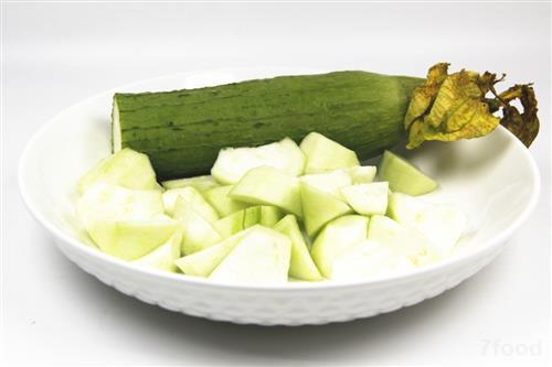 秋败丝瓜胜良药,秋食丝瓜的5个好处和2个禁忌你了解吗?