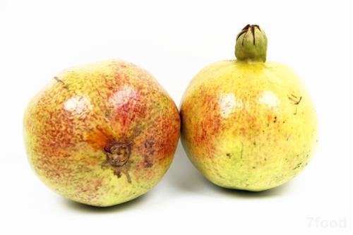 秋天吃点石榴,身体会得到5个好处,但食用时要注意3点