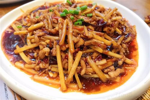 争议声中 川菜标准化再进一步