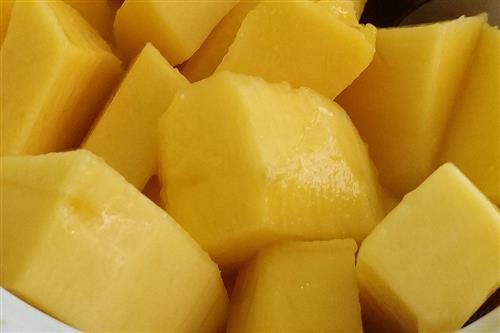 切芒果的方法图_切芒果的方法