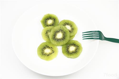 多食用猕猴桃,还能阻止体内产生过多的过氧化物