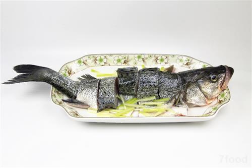 食品雕刻鲤鱼步骤图解