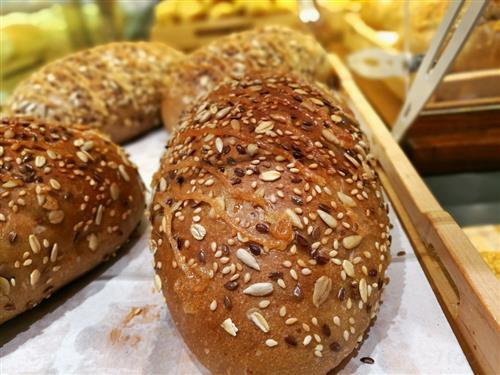 酥粒蜜豆辫子面包的做法