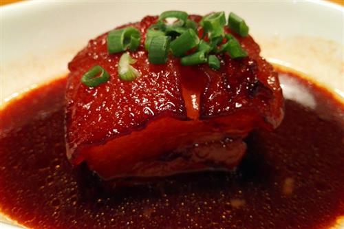 肥而不腻的家常红烧肉做法_美食制作
