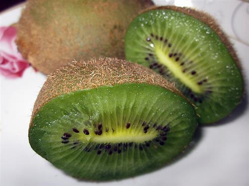 猕猴桃不适宜空腹吃 美味猕猴桃营养多