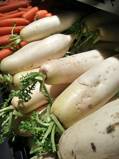 春吃萝卜功效多 化痰助消化还能降血压