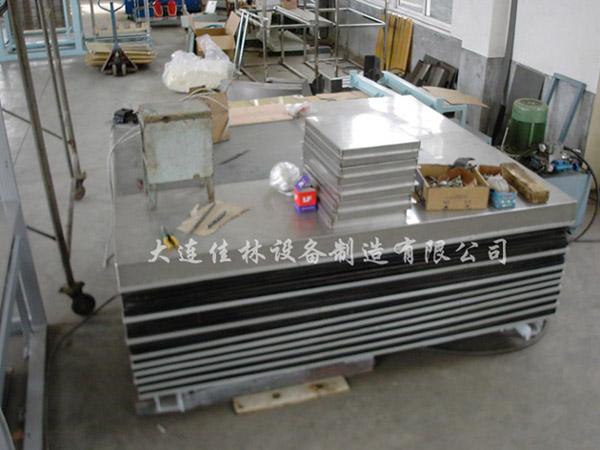 说明:不锈钢液压升降台(货梯)用于食品公司货物运送,升程3.图片