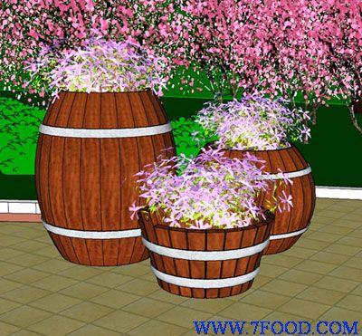 传统手工雕刻工艺应用到工艺木制花盆上,将东西文化有机的结合起来,可