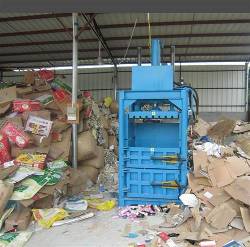 4升的废机油桶利用图