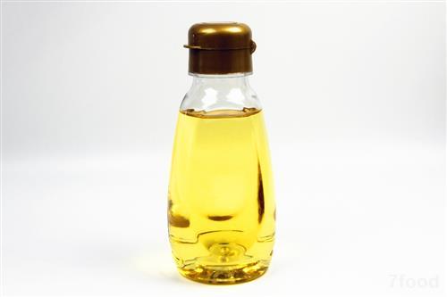 食用油新国标实施 昆明市民可通过标签获知调和油配比