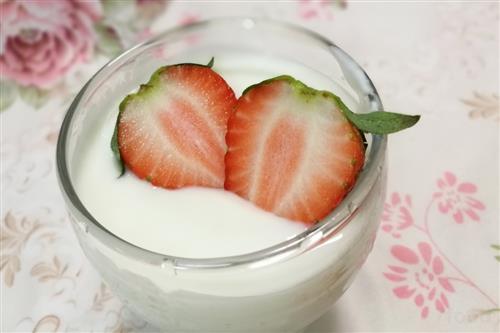 一杯酸奶含糖量等于两罐可乐?你信了吗