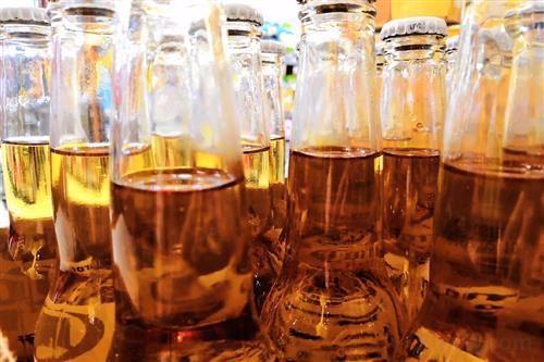 """台湾喝酒人口逾800万 健康部门吁企业共倡""""酒害""""观念"""