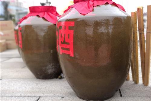 白酒行业进入产区竞争时代 贵州酒企效仿川酒抱团发展