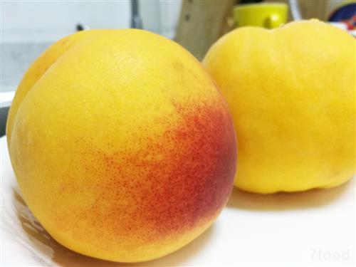 彩铅桃子的画法步骤