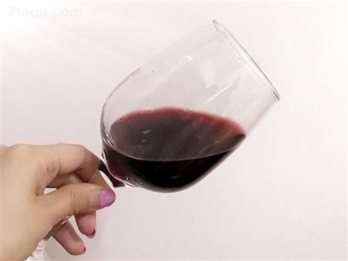 春节期间如何健康的喝红酒