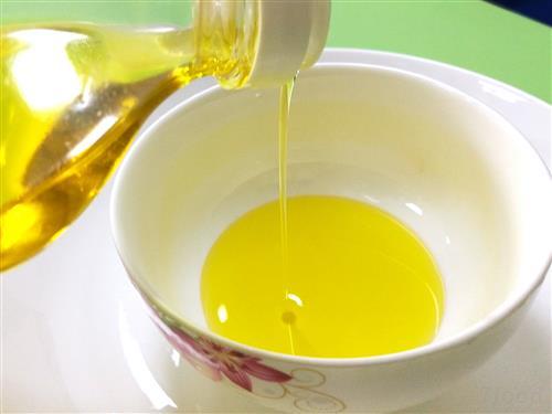 蜂蜜排毒抗过敏 夏季喝点蜂蜜好处多