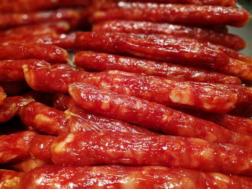 团岛市场:这里海鲜巨无霸 肉菜灌香肠线上线下一起卖